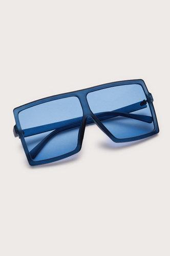 front_Summer Elizabeth Blue Square Frame Sunglasses