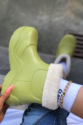 front_Plain Flat Round Toe Apple Green Boots