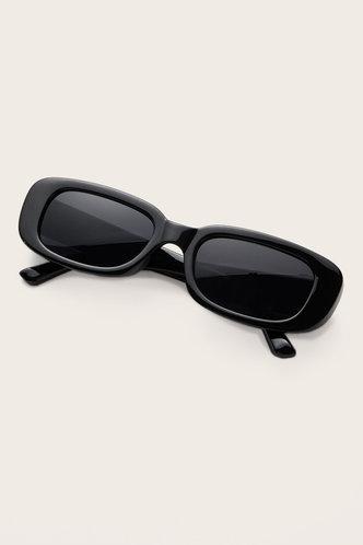 front_Tessa Eleanore Black Acrytic Frame Sunglasses