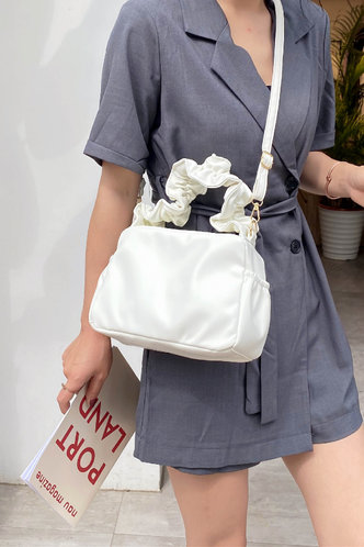front_Casual Solid Color Shirred White Satchels