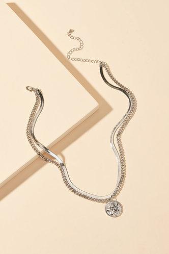 back_Mandy Eden Sliver Layared Necklace