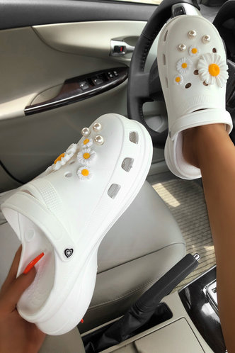 front_Monica Eunice White Vented Clog
