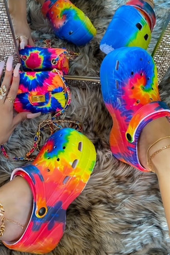 front_Beverly Homar Tie Dye Vented Clog