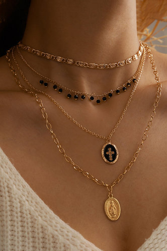 front_Casual Vacation Gold Necklaces