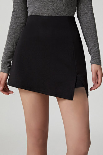 front_Dale Elaine Casual Black Zip Up Shorts