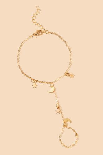 back_Janey Elsa Gold Star & Moon Charm Ring Bracelet