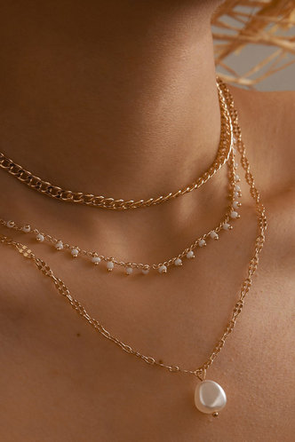front_Annie Eleanore Gold Faux Pearl Pendant Layered Necklace