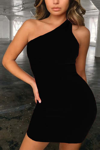 front_Valeria Eartha Black One Shoulder Dress