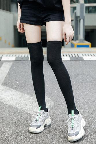 front_Greta Elaine Black Over The Knee Socks