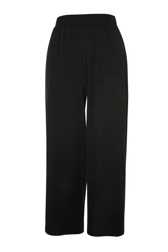 front_On The Town {color} Cropped Wide Leg Pants
