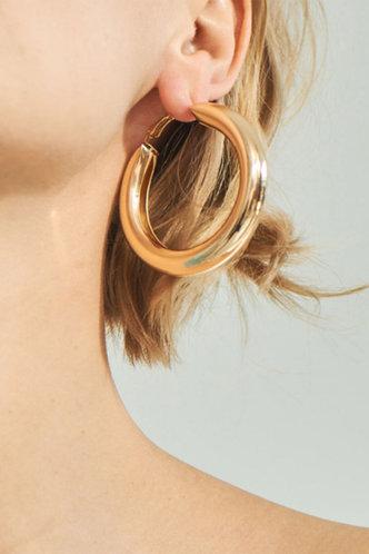 back_Nita Elsie Gold Hoop Earrings 1piar