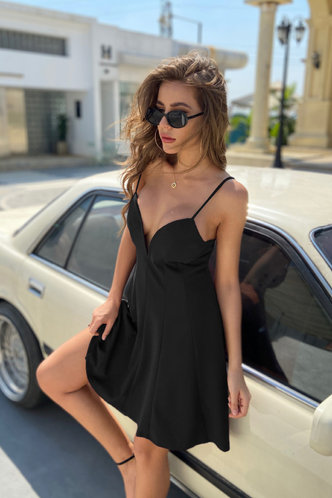 front_Ossie Black Dress
