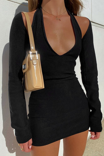 front_Feeling Royal Black Ribbed Dress