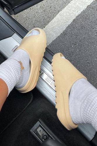 front_Flat Open Toe Beige Slides & Flip Flops