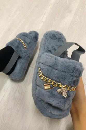 back_Plain Chains Flat Grey Slippers