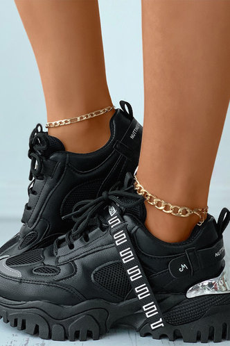 back_Plain   Low Heel Round Toe Black Sneakers