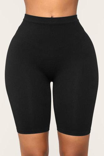front_Ann Eleanore Black Shorts