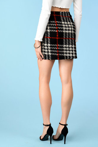back_Headlands Black And White Plaid Skirt