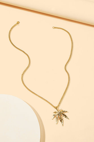 front_Stella Elizabeth Gold Maple Leaf Charm Necklace