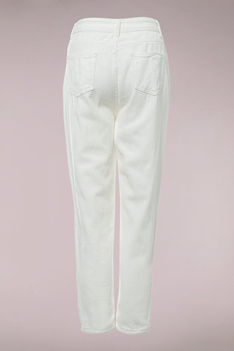 back_Loving Is Easy White Jeans Without Belt