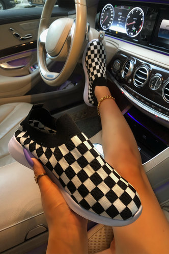 front_Plaid Flat Checker Sneakers