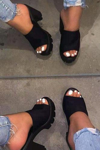 front_Georgiana Evangeline Black Sandals