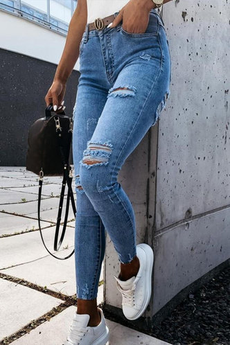 front_Kelley Elaine Blue Ripped Knee Jeans