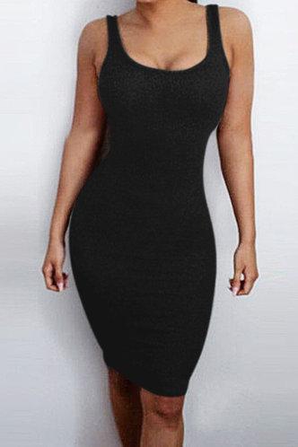 front_Maisie Eden Black Dress