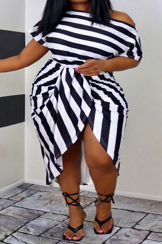 front_Virginia Evangeline Black And White Plus Size Dress