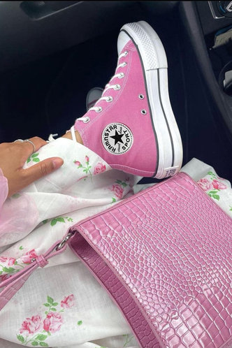 back_Plain Patch Flat Round Toe Pink Sneakers