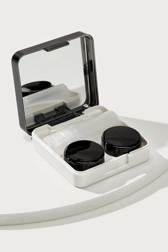 front_Vicky Elsa Black Solid Contact Lens Case Set