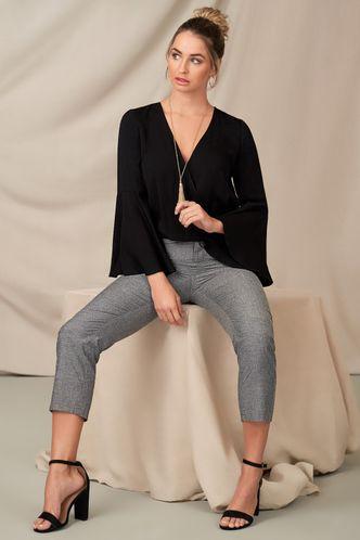 front_Unique Beauty Black Long Sleeve Top