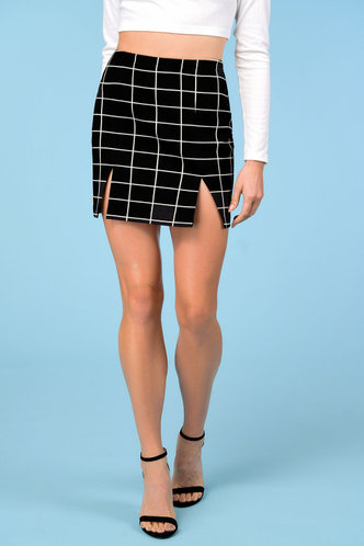 front_Checkered Past Black Plaid Skirt