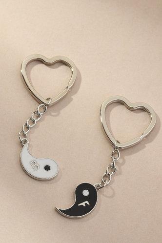front_Beverley Elizabeth Sliver Keychain 2pcs