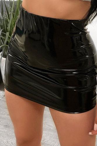 front_Priscilla Elma Black Skirt