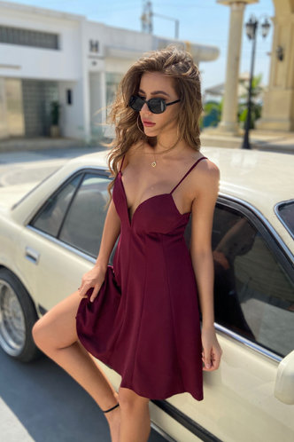 front_Ossie Burgundy Dress