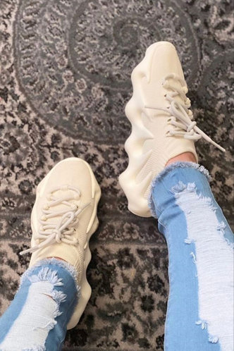 front_Plain Low Heel Round Toe Beige Sneakers