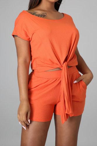 back_Victoria Emily Orange Set
