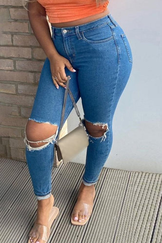 back_Kathryn Eunice Wash Light Blue Ripped Knee Jeans