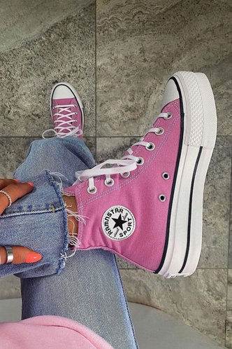 front_Plain Patch Flat Round Toe Pink Sneakers
