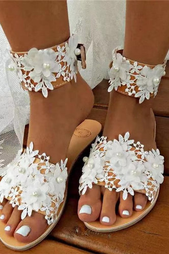 front_Emily Enid White Silde Sandals
