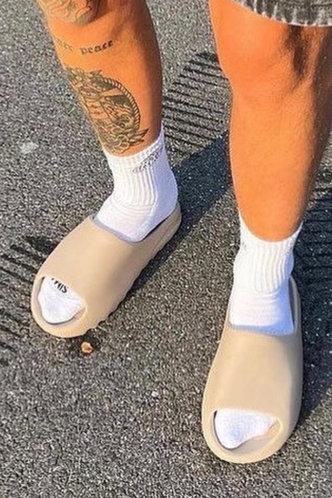 front_Plain Open Toe Beige Men Slides & Flip Flops