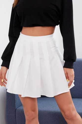 front_Selby White Pleated Skirt