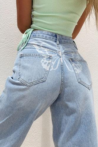front_Eartha Kanjas Wash Light Blue Jeans