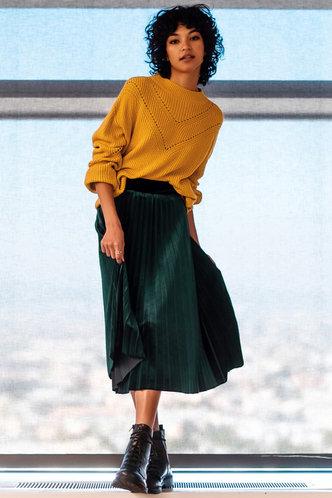 front_Velvet Love Dark Green Pleated Skirt