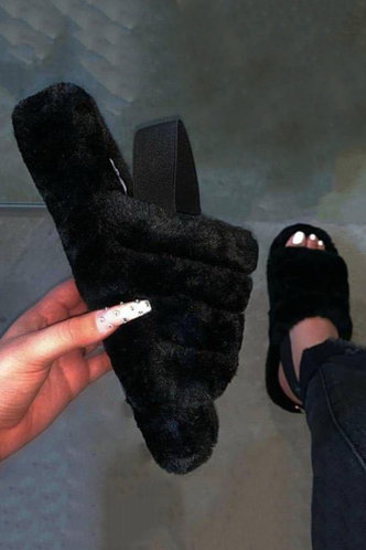 front_Plain Black Slippers