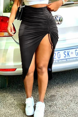 front_Elizabeth Elvira Black Skirt