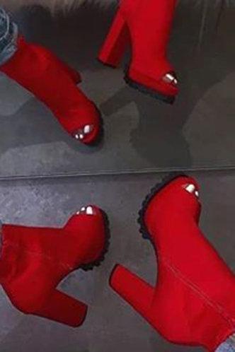 front_Mavis Eunice Red Boot