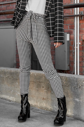 front_Cecilie Black And White Houndstooth Drawstring Pants