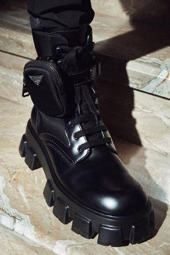 back_Round Toe Black Boots